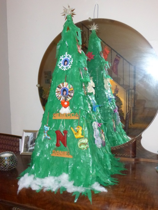 Christmas tree on the game cabinet